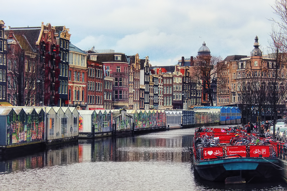 Bloemenmarkt on the Singel. Image Credit: Travel Photographers Magazine